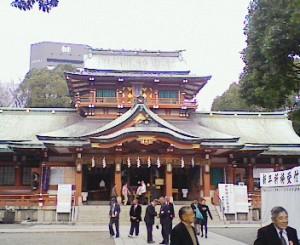 """""""水かけまつり""""で有名な元准勅祭社・富岡八幡宮"""
