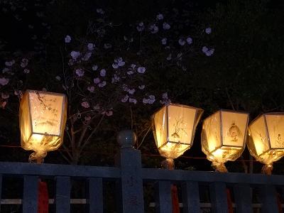墨絵の灯籠(とうろう)