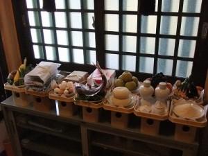 例祭式(25日)の神饌(しんせん)