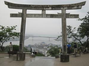 日和山・鹿島御児神社から石巻湾を望む