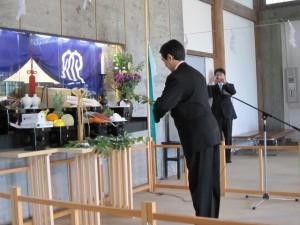青年会長による玉串拝礼