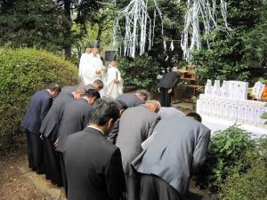 自治会連合会による玉串拝礼