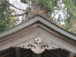 ⑥ 神社の歴史などが掲示されています